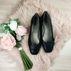 ARRAY 12 wide black leather ballet flats